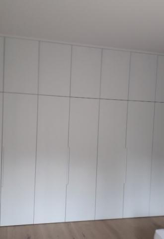 Peinture murale, portes, pose de parquet