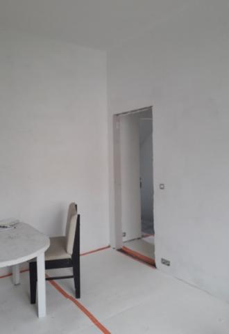 Peinture murale, portes